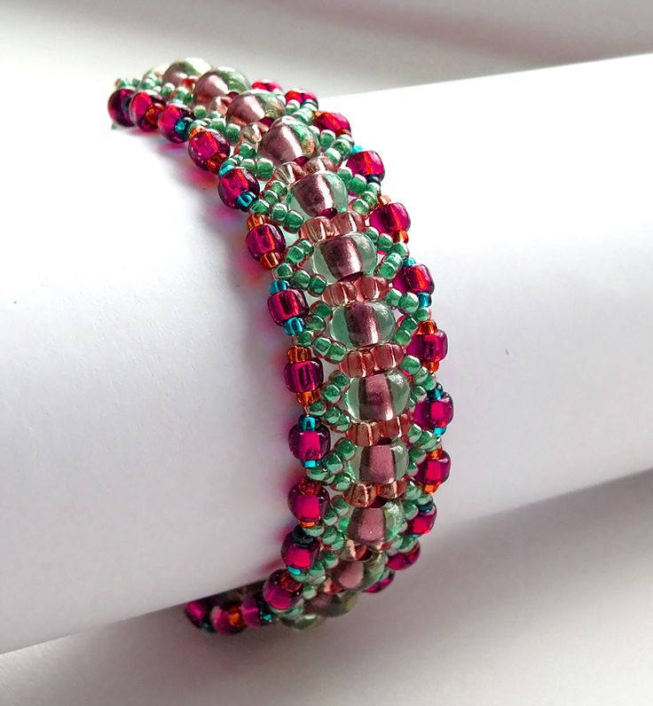 Free pattern for bracelet Magic Forest