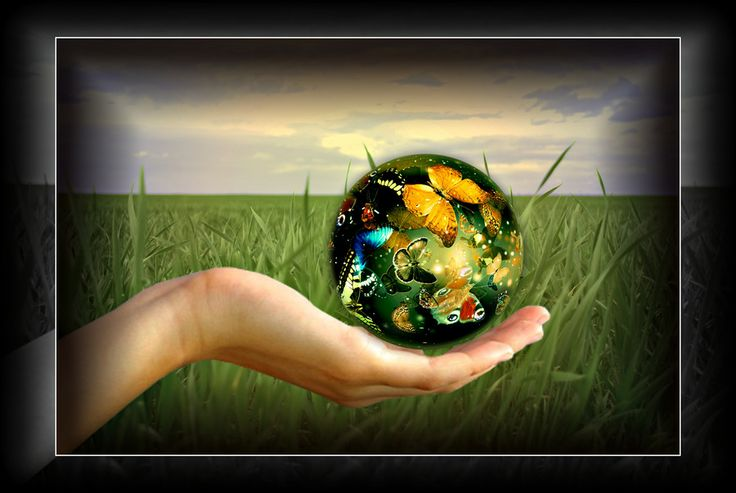 World at your fingertips by Marina Pierre on 500px
