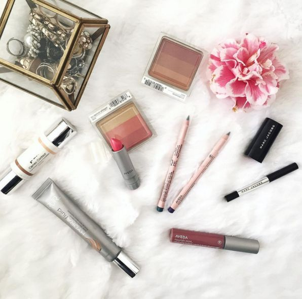 @cuppajyo shares a few of her favorite (Aveda makeup) things.