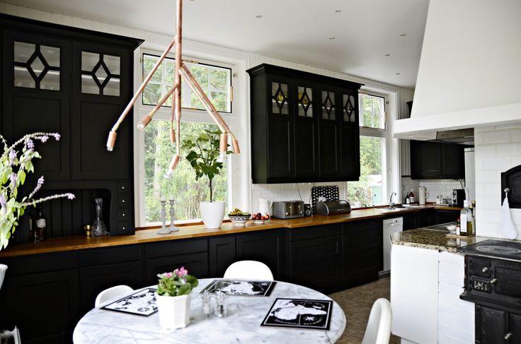 Spana in vår bloggare Helena Köhls fina nyrenoverade kök.