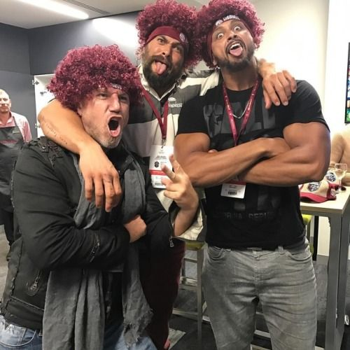 #Repost @prideofgypsies  ・・・  Arthur loves a red head. @amberheard first state of origin  Go Queensland  My 8th state of origin I love rugby  #ibleedmaroon aloha j.      #Repost @realdealmada  ・・・  QUEENSLAND BABY!!!!  Awesome time at the big game tonight for the State of Origin here in Brisbane with the boyzzz @prideofgypsies and @bali_fitness_weekend. Such a great atmosphere… and nothing tastes better than winning!!! #Queenslander