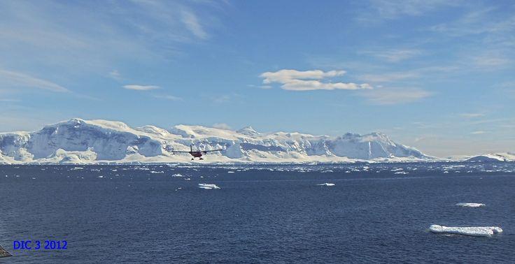 Antartica. Avión FACH sobrevuelo inspectivo.