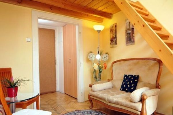 Prague, Czech Republic Vacation Rental, studio, 1 bath, kitchen with WIFI in Old Town. Thousands of photos and unbiased customer reviews, Enjoy a great Prague apartment rental perfect for your next holiday. Book online!