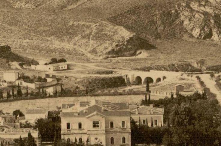Η φωτογραφία ελήφθη το έτος 1880.