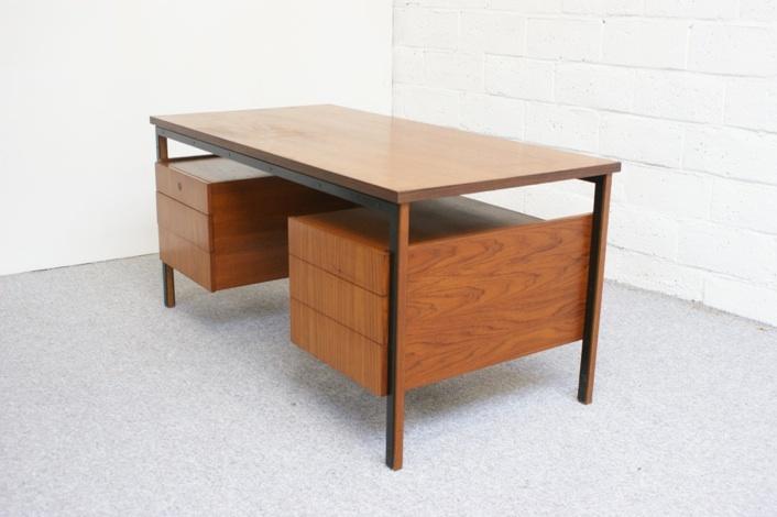 Office Furniture: Office Desk, De Coene