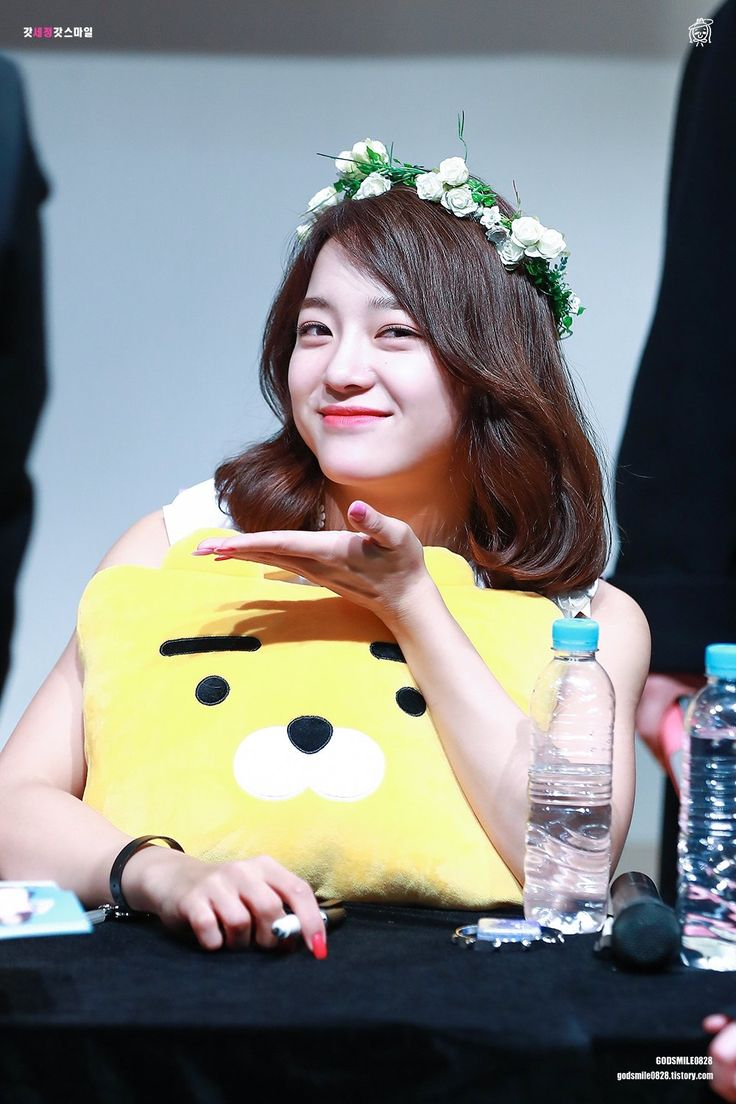 170310 - Kim Sejeong @ Daehangno Fansign Event (cr.godsmile0828) | Twitter