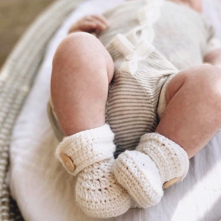 Scrumptious little legs! Wearing our woodsmoke stripe knitted short sleeve growsuit  #wilsonandfrenchy #babystyle #instacute #baby #fashion #unisex #babylove #instababy #instagood #perfectbabies  #unisexbabyclothes  #newmum #babygift #babyshower #australiandesign #shopbaby #mumsunite #babylove #magicofchildhood #little