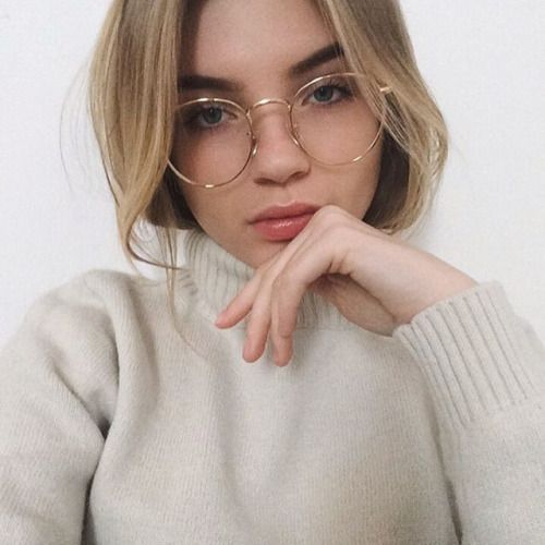 Best Eyeglass Frame Color For Blondes : 1000+ ideas about Hair Round Faces on Pinterest Round ...