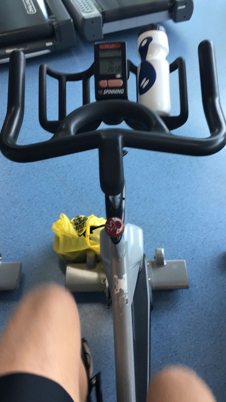 The roadbike rental shop was closed!! 🚴☹️So travelled all the way to Dunedin to sit on a spinning bike in the gym 😳😂