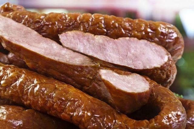Домашняя копченая колбаса с чесноком - 1000