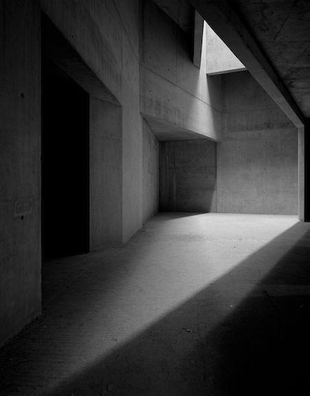 Fotografie Hélène Binet – Jüdisches Museum (Architektur von Daniel Libeskind), …