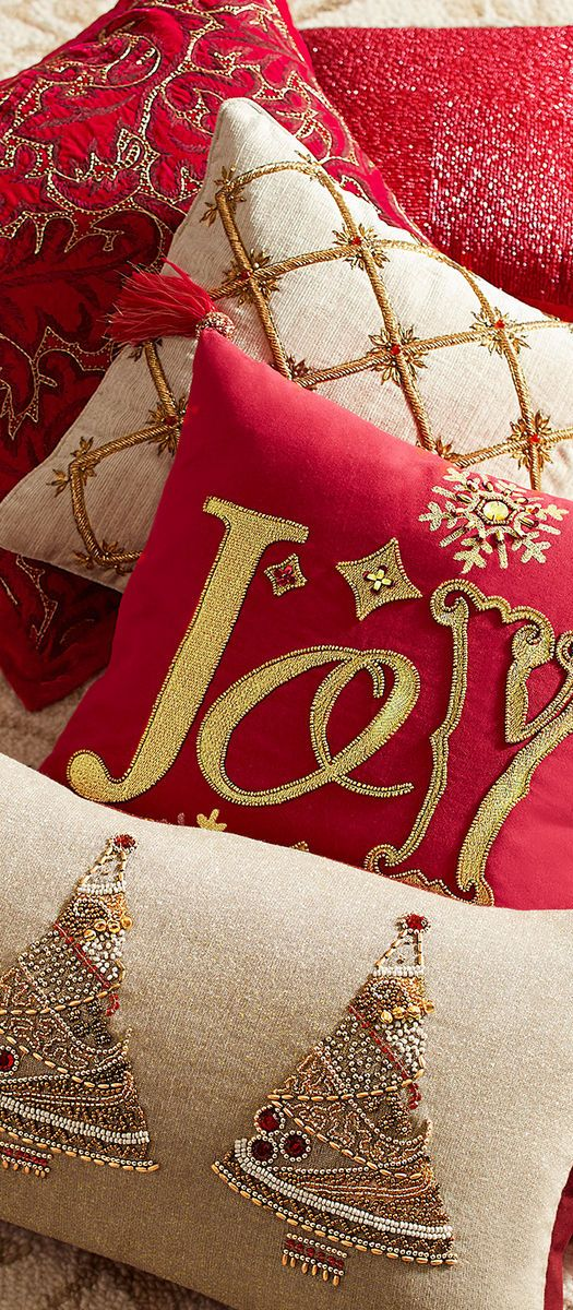Diy Decorative Christmas Pillows : 25+ unique Christmas pillow ideas on Pinterest Christmas pillow covers, Diy christmas pillows ...