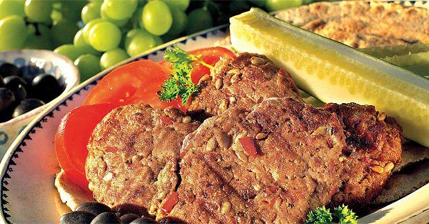 Kofty s piniovými oříšky a další řecké recepty