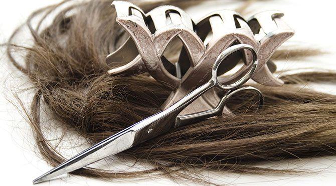 Saça zarar veren modeller İngiliz Dermatoloji dergisinin haberine göre; örgülü modeller, kimyasal düzleştiriciler kullanılarak yapılan saç dalgaları ve postişler saçlara ciddi zararlar veriyor.