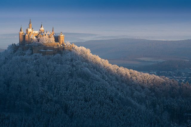Hohenzollern, Sonnenstreifen | Photo by Oliver S., on Flickr.