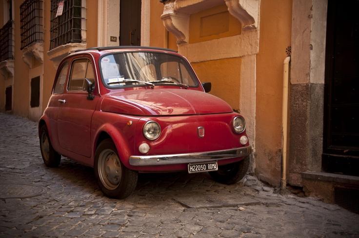 Classic Fiat 500, so sweet! Looks like my Fifi!