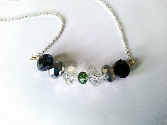 Necklace with glass beads black silver green di BlueBupCreations, €12.00
