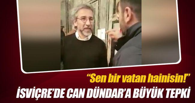 Zürih Üniversitesi yerleşkesinde bir panele katılan Can Dündar'a soru sormak isteyen Türk vatandaşı, fiziki saldırıya uğradı.