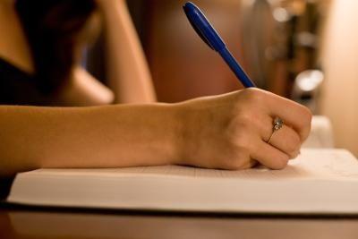 Cómo comenzar a escribir un libro   eHow en Español