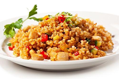 Arroz frito con pollo y verduras te ense amos a cocinar for Como cocinar arroz en microondas
