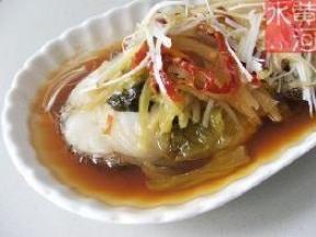 酸菜蒸鱈魚