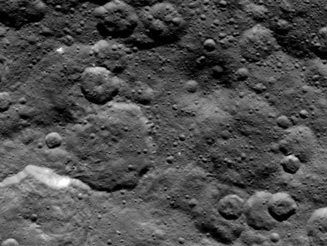 Hallan elementos básicos para la vida en Planeta Ceres