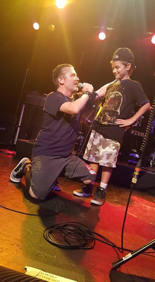 Mike Patton with a kid - Dead Cross 2017