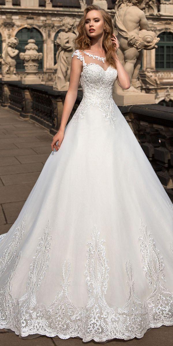 [194.10]  Elegant Tulle Crew Neck Natural Waist A-line Bröllopsklänning med Lace Appliques