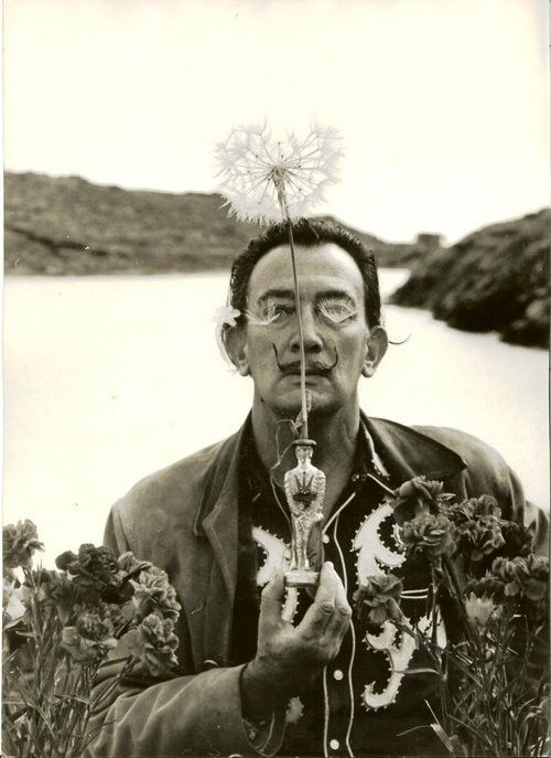 Salvador Dalì  Irving Penn. Jen- we need to take pics like this.  Just pick  up crap and pose all dramatic :)