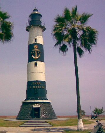 ✯ Faro de la marina, Miraflores	This is the original Punta Coles lighthouse disassembled 	and rebuilt here in 1973 		Perú