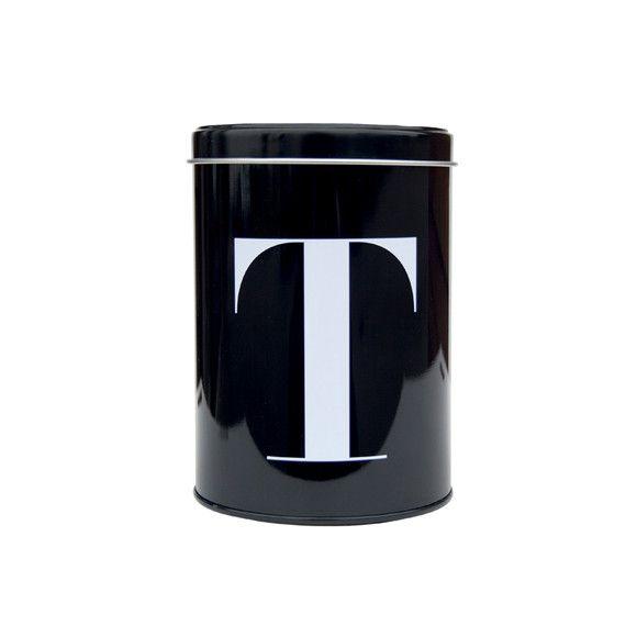 czarna metalowa puszka z dużą, białą literą T np. do przechowywania herbaty /tea/ firmy House Doctor