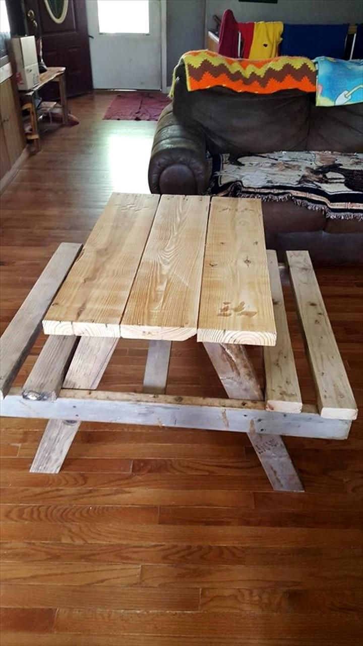 Pallet Picnic Table for Kids - 130+ Inspired Wood Pallet Projects | 101 Pallet Ideas - Part 2