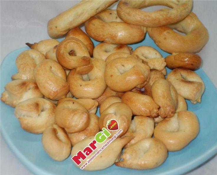 Ricetta originale dei taralli pugliesi tradizione di Puglia