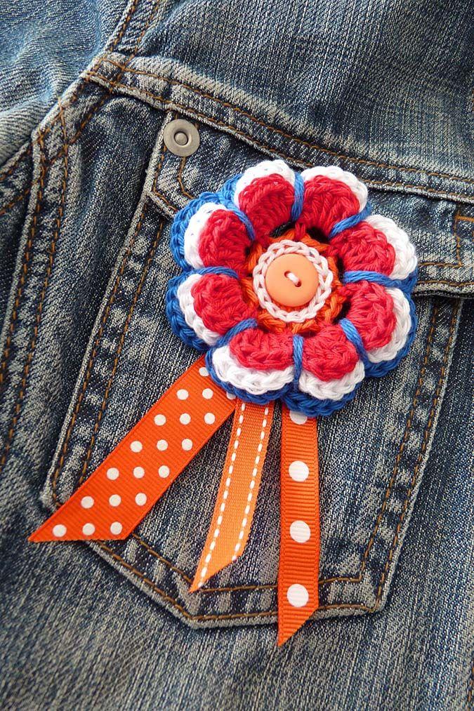 Flower brooch / bloemcorsage