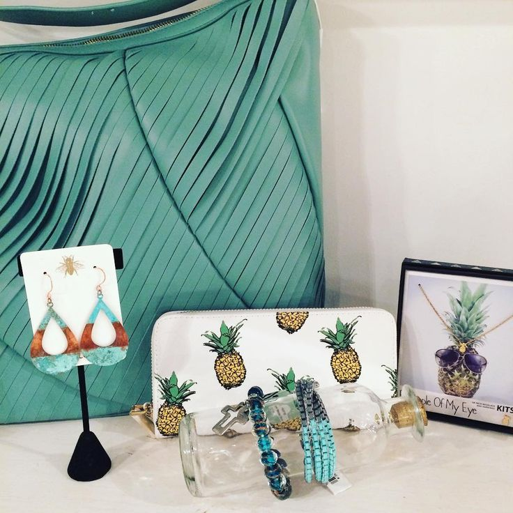 Mother's Day, graduation, brides to be--we've got unique gifts for the pineapple of your eye! 😍🍍  .  .  .  #newarrivals #handbags #handmade #jewelry #girlfriendgift #mothersday #graduate #bride #spring #holiday #gifts #accessories #earrings #necklace #pineapple #kitsch #giftset #talulabea #zenzi #bedifferent #standout #shopsmall #mosaicdistrict #fairfaxcorner