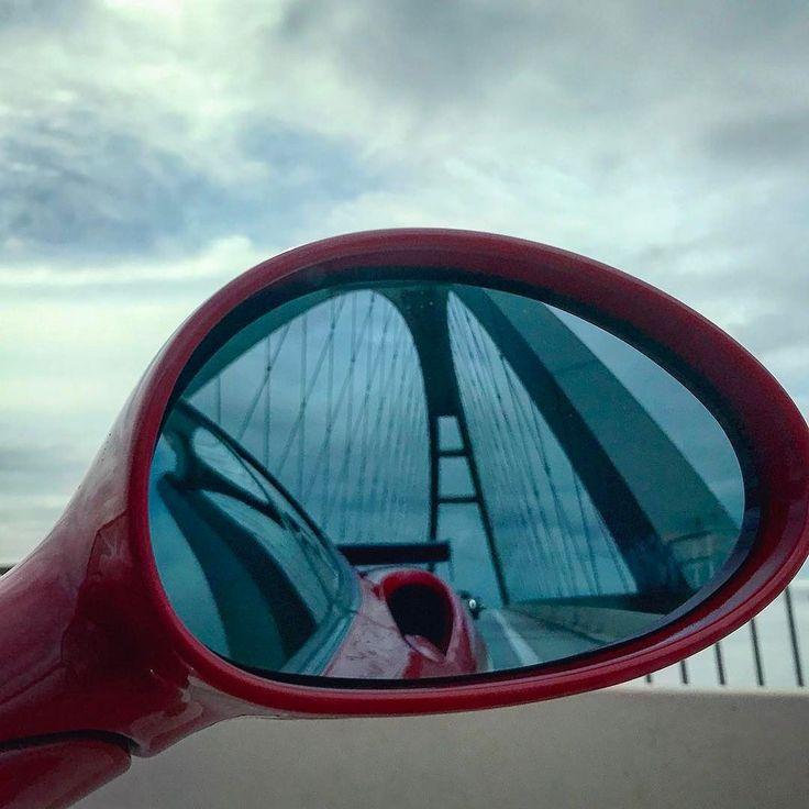. . . . . . #spiegelbild #happyday #picoftheday #street #architecture #colors_of_day #streetphotography #streetart #streetshot #ferrari #bridge #outofmywindow #thedriversclub #brücke #car #supercars #supercar #sky #rot #sexy #happy #free #petrolhead #speed #fehmarn #fehmarnsundbrücke
