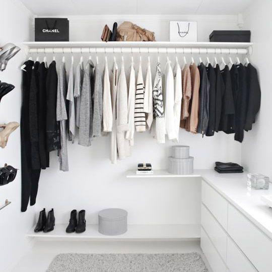 Une garde-robe minimaliste