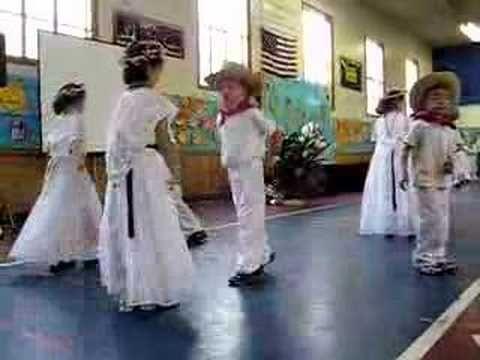 Cute dance for La Raspa (Traditional Mexican dance - adapting for cinco de mayo!)