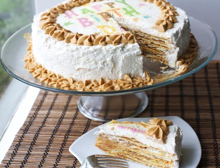 Torta Pompadour estilo Angélicas: hojarasca/crema chantilly/manjar   En mi cocina hoy