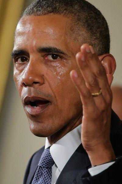 Barack Obama Photos - President Discusses Executive Action on Guns - Zimbio