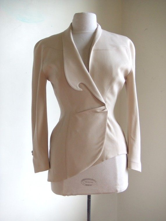 tag- THIERRY MUGLER Paris  material- cotton   size- small-medium    measurements;  shoulder- 17.5  bust- 17  waist- 13.5  sleeve inseam- 15