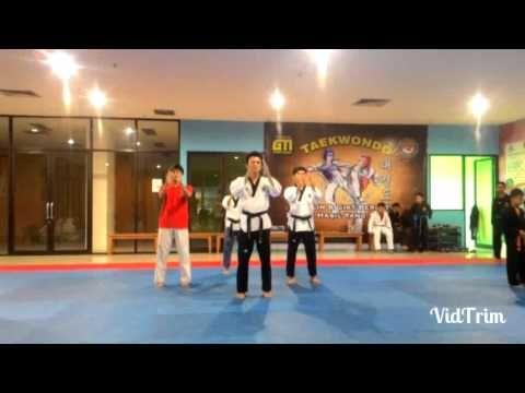 Practising koryo & keumgang Poomsae in slow motion with DEMOS Poomsae Team