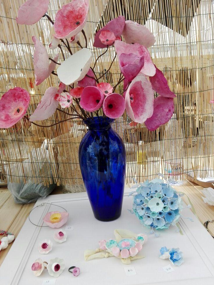 Vaso di fiori di carta, bouquet da sposa, gioielli di carta by Alessandra Fabre Repetto Green Design, paper art Roma. Wave Market