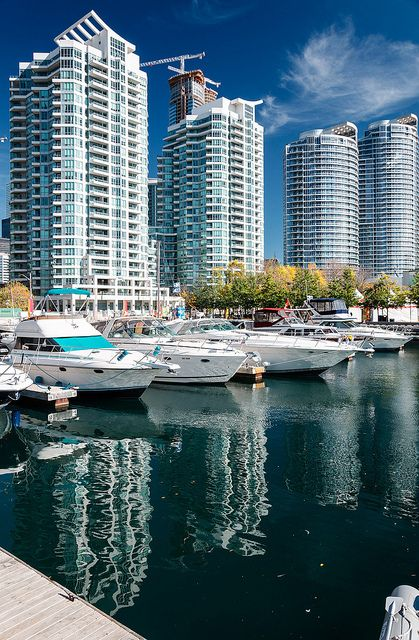 Toronto is in Canada not in the USA Harbourfront....too many tall condos blocking Lake Ontario