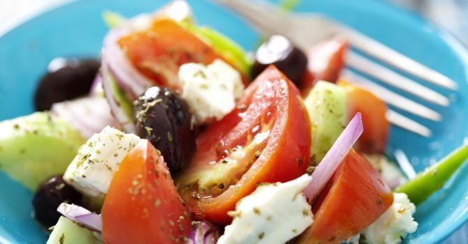 Les salades, c'est souvent le choix minceur évident ! Pourtant, il est important de faire les bons choix pour composer une salade.