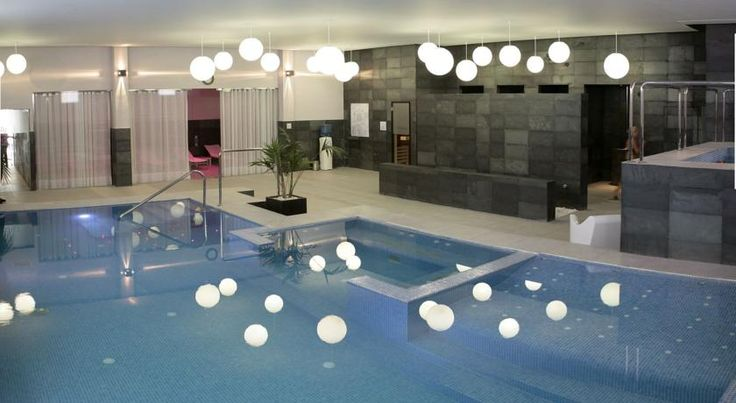 Santara Resort & Spa Santa Pola Located in the quiet, residential area of Gran Alacant, and 4 km from Santa Pola and 15 km from Alicante, Santara Resort & Spa is a well-being complex with a spa and health centre.  Santara Resort & Spa offers a range of modern and stylish bungalows.