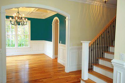 Wandverkleidungen aus Holz findet man häufig in amerikanischen Landhäusern.