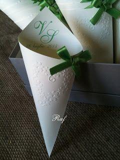 Creazioni di Raf - Wedding creations : Romanticissimi coni portariso in verde mela