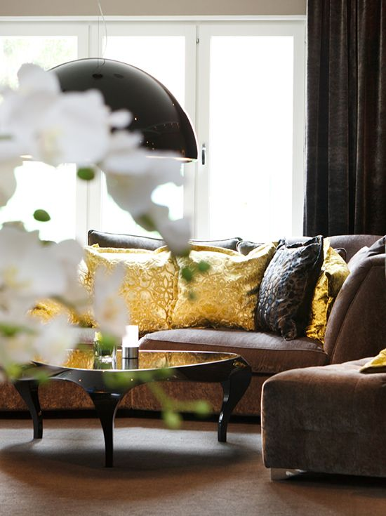 Sofa with golden cushions - Clarion Collection Hotel® Tapto