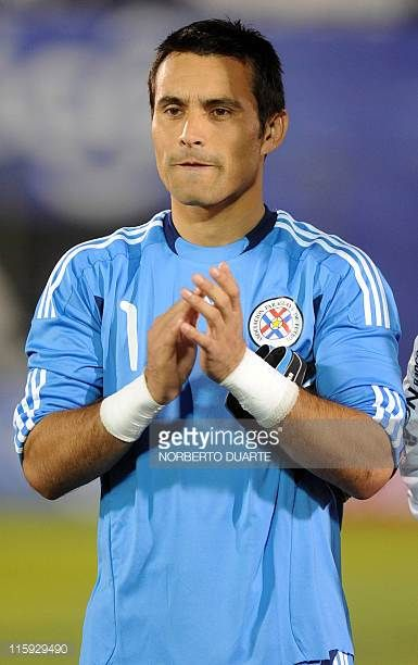 Paraguay's national football team player Justo Villar before their friendly match against Rumania in Asuncion on June 11 2011 AFP PHOTO/Norberto...